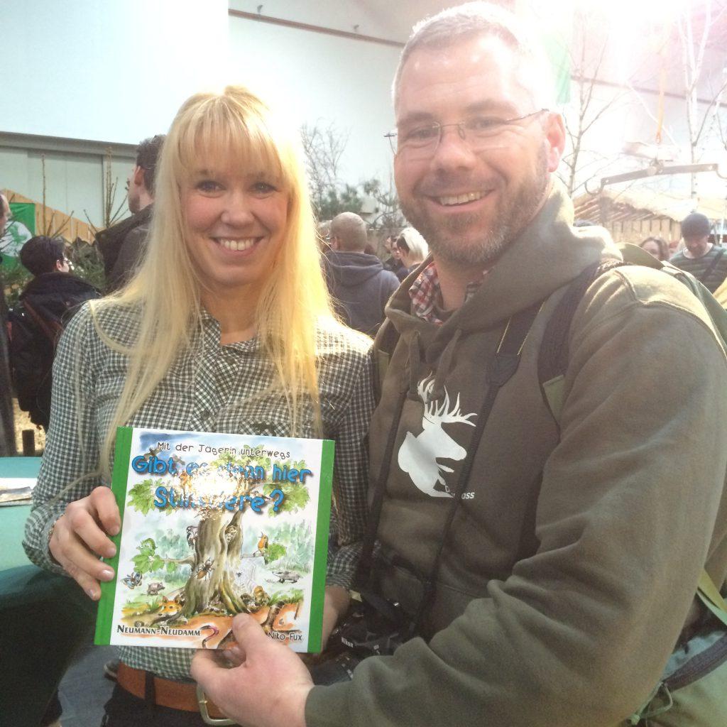 Miss Jägerin 2014 Niko Fux Verkauft Mir Ihr Kinderbuch.