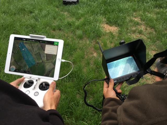 DJI 4 Phantom Professionell mit der Wärmebildkamera Flir VUE 640 13 mm, Ersatzakkus, Tablett, Drohnenführerschein und angepasste Software machen 11500 €. Die Jungs suchen noch Sponsoren!